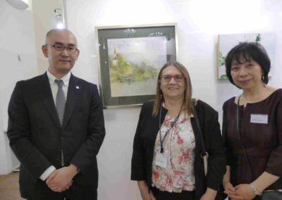 Direktor des Japanischen Informations- und Kulturzentrum Kei Iwabuchi, Lucja Radwan und Cultural Project Coordinator Tomoko Germar